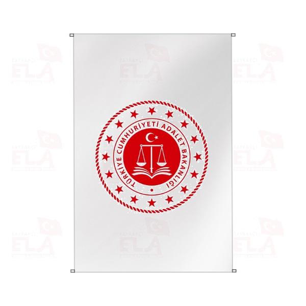 Adalet Bakanlığı Bina Boyu Bayraklar